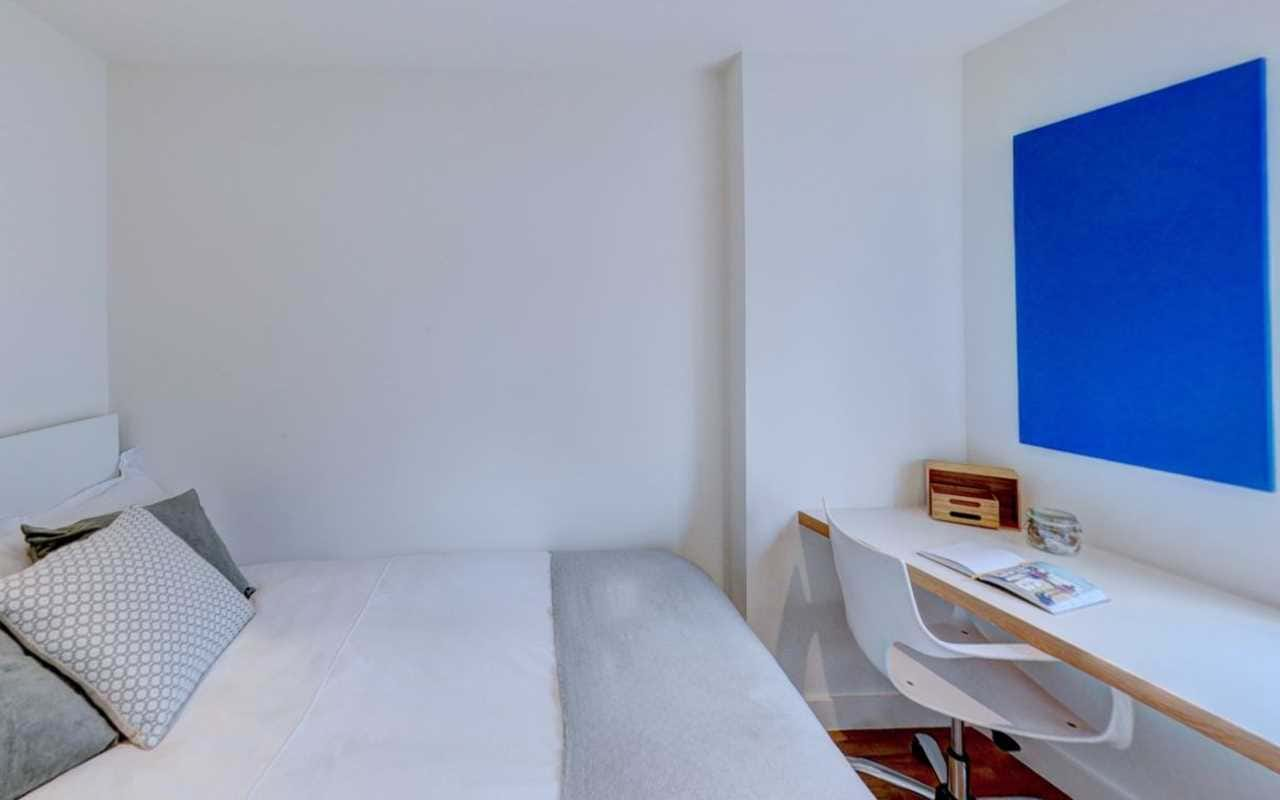 Aldgate 2 Bed Apartment Virtual Tour